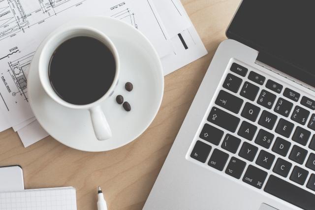 coffee-laptop-business-work-still-life-picjumbo-com (1)